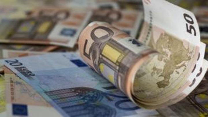 Βερβεσός: Το επίδομα των 600 ευρώ να δοθεί σε όλους τους δικηγόρους