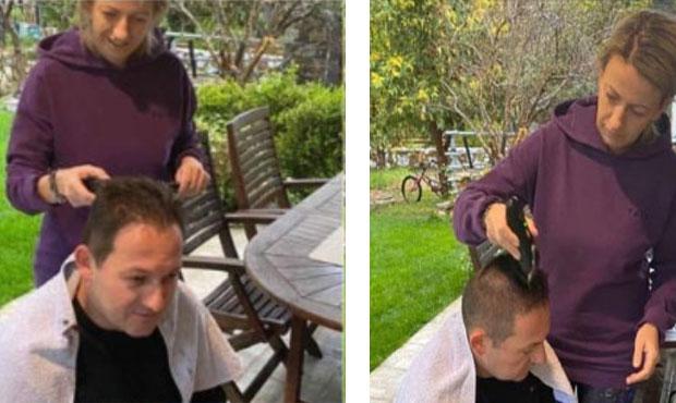 Haircut αλά Πέτσα: Ο κυβερνητικός εκπρόσωπος κουρεύτηκε…σπίτι του και ανέβασε τις εικόνες στα social media