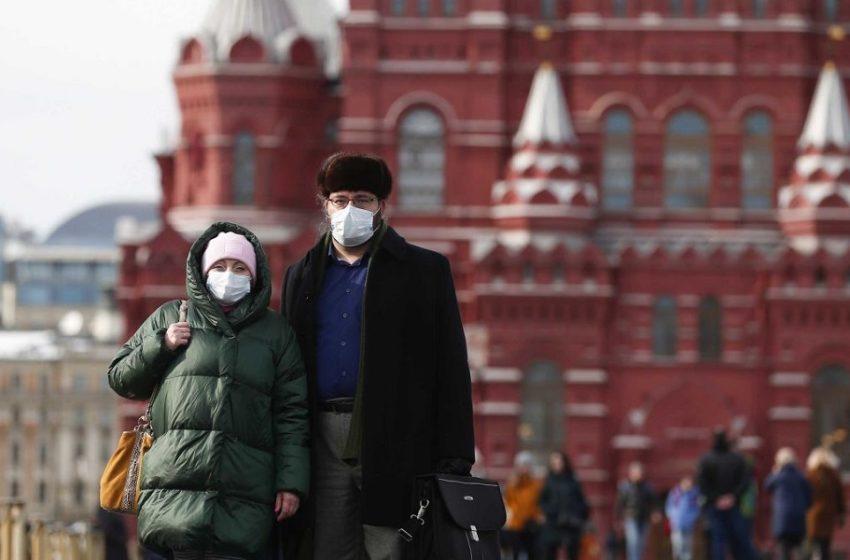 Κοροναϊός: Μετά τα εμβόλια η Ρωσία μπαίνει και στη μάχη του φαρμάκου