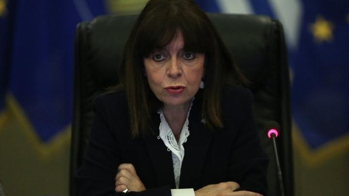 Σακελλαροπούλου: Μάθημα δημοκρατίας και σεβασμού από τον Τσιόδρα