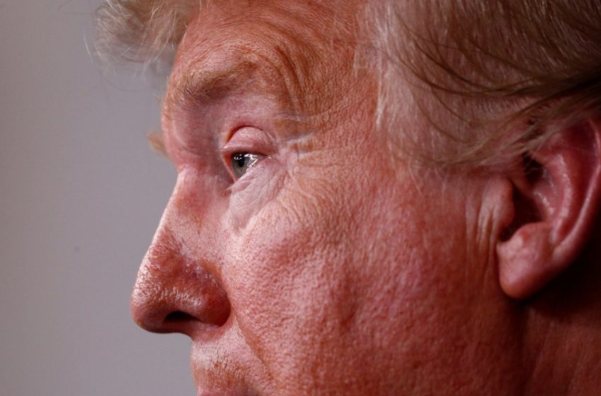 Πυρ ομαδόν κατά Τραμπ για την εξάπλωση της πανδημίας