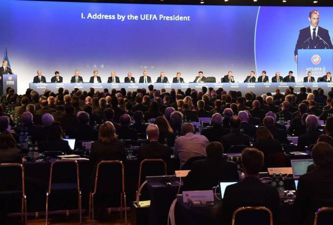 Η ΟΥΕΦΑ αποφάσισε: Πότε τελειώνουν τα πρωταθλήματα, τι θα γίνει με Τσάμπιονς-Γιουρόπα Λιγκ