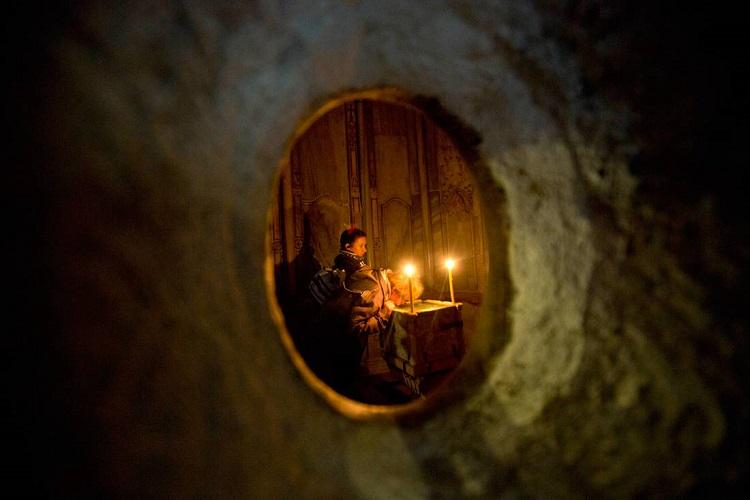 Το απόγευμα στην Αθήνα η άφιξη του Αγίου Φωτός