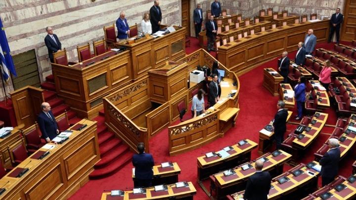 Ψηφίστηκε ο προϋπολογισμός από τους 158 βουλευτές της Ν.Δ