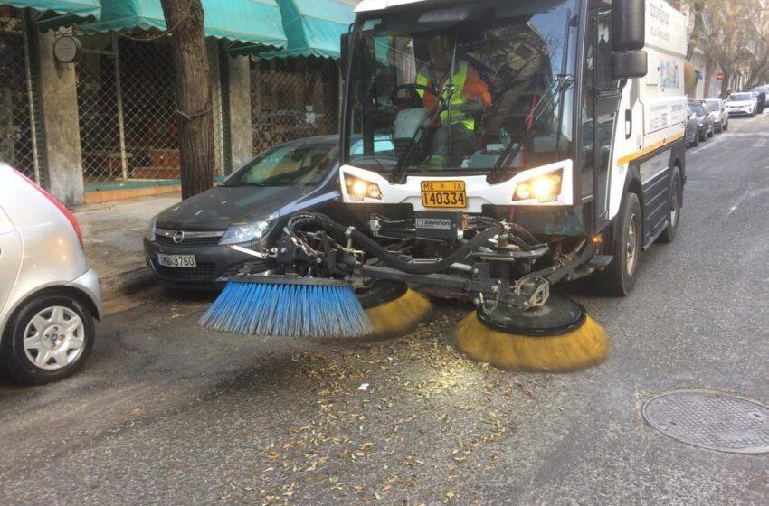 Kυριακάτικη δράση καθαριότητας του Δήμου Αθηναίων στα Εξάρχεία