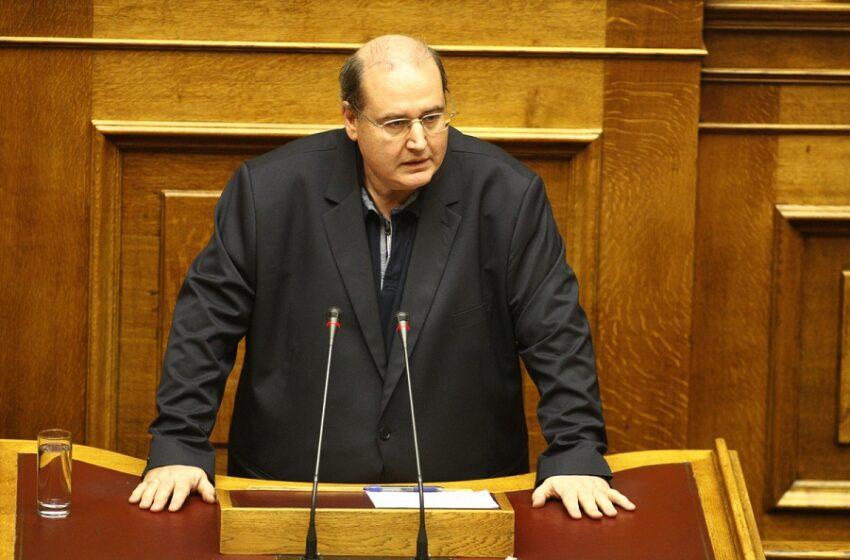 """Ν. Φίλης: """"Υπονομεύεται η Δημοκρατία με την εισβολή της αστυνομίας και την περικοπή των εισακτέων στα πανεπιστήμια"""""""