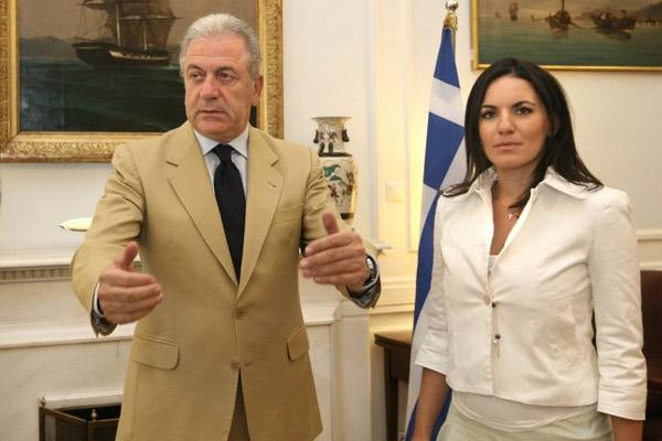 """""""Χωρούν"""" στην κυβέρνηση Κεφαλογιάννη και Αβραμόπουλος;- Έντονο παρασκήνιο με τα δύο κορυφαία στελέχη"""