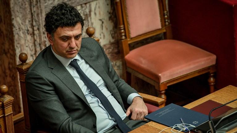 Αντιπαράθεση Κικίλια-ΣΥΡΙΖΑ για τη διαχείριση της πανδημίας και την επόμενη ημέρα του ΕΣΥ στη Βουλή