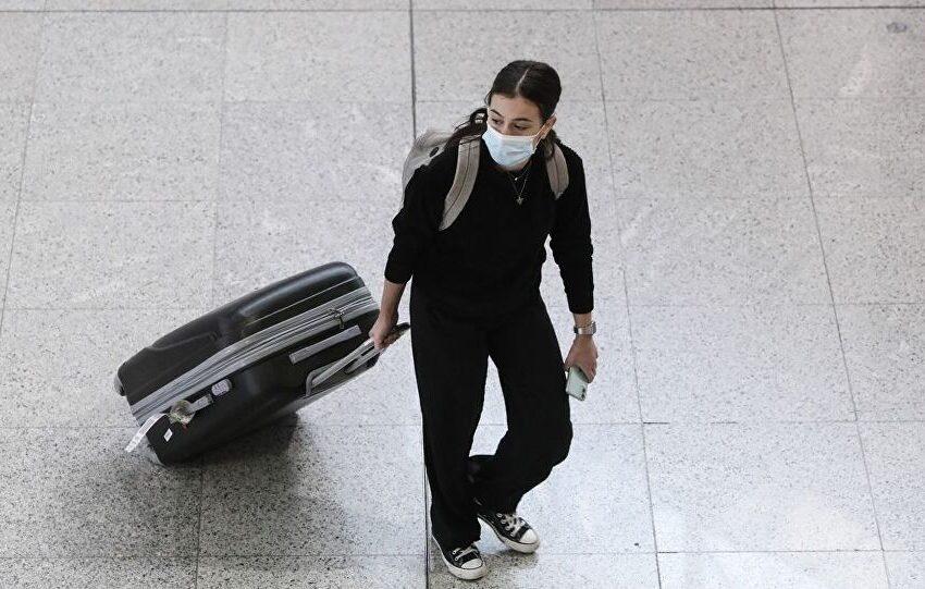 """Ποιοι τουρίστες """"υψηλού κινδύνου"""" θα μπαίνουν σε καραντίνα- """"Τεστ υποδοχής"""" στα αεροδρόμια"""