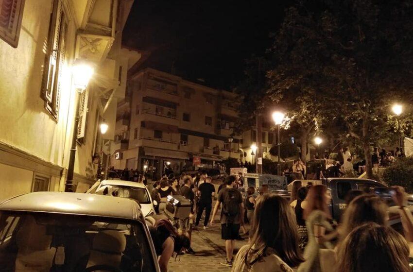 Θεσσαλονίκη: Ένταση μετά από επέμβαση των ΜΑΤ σε πλατεία στην Άνω Πόλη