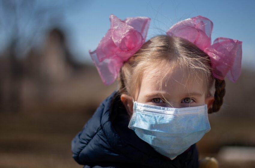 """Ιταλοί γιατροί εντόπισαν """"ισχυρή σχέση"""" του κοροναϊού με τη νόσο Kawasaki σε παιδιά"""
