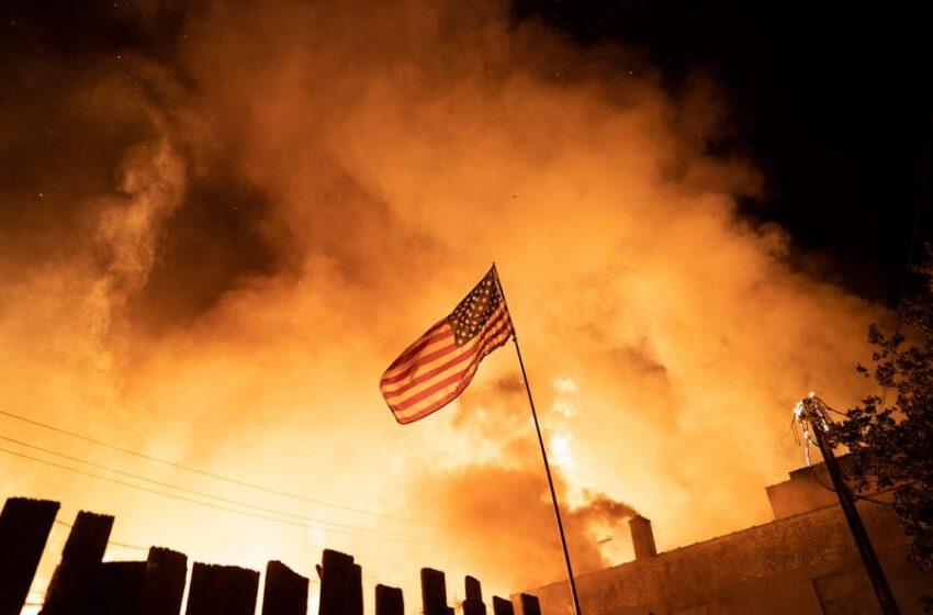 Ο Τραμπ ρίχνει λάδι στη φωτιά: Αποκαλεί ακροαριστέρο τον Δήμαρχο και στέλνει στρατό στη Μινεάπολη (live)