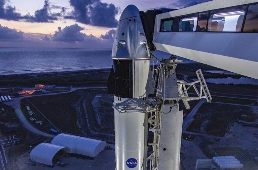 Τους τα χάλασε ο καιρός – Ματαιώθηκε η επανδρωμένη διαστημική αποστολή NASA – SpaceX (vid)