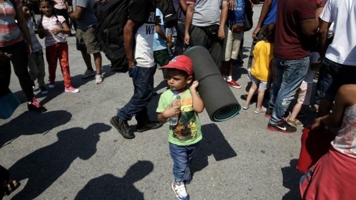 Στη Γαλλία 400 αιτούντες άσυλο και 350 ασυνόδευτοι ανήλικοι