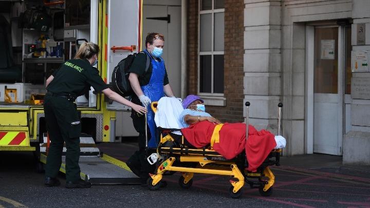 Βρετανία: Υποχρεωτική καραντίνα δύο εβδομάδων για όσους εισέρχονται στη χώρα – 351 νέοι θάνατοι