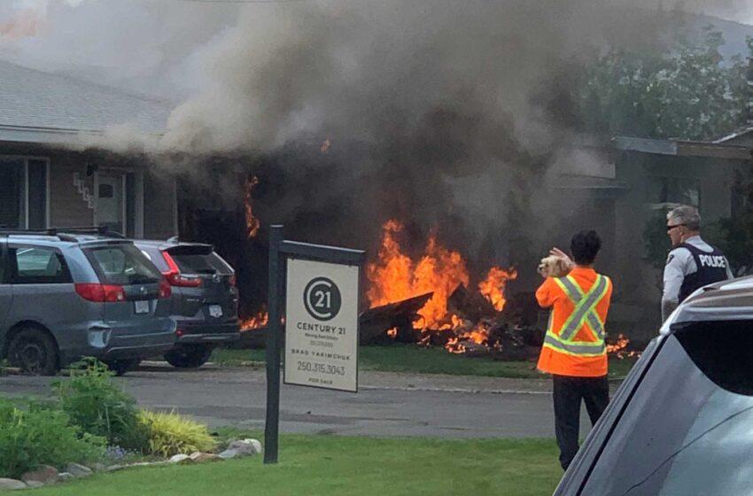 Βίντεο-ΣΟΚ από την πτώση του αεροπλάνου στον Καναδά πάνω σε σπίτι