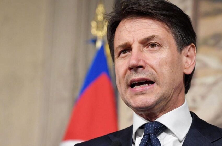 Κόντε: Οποιος αγαπά την Ιταλία κρατά τις αποστάσεις