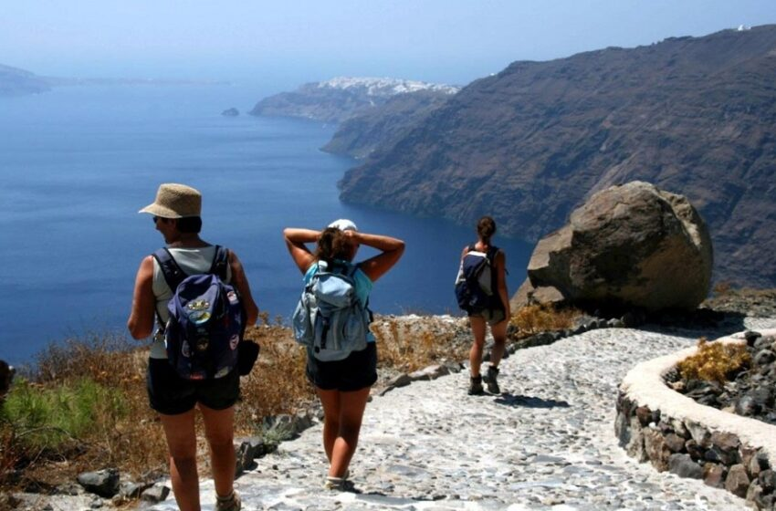 Καταιγισμός δημοσιευμάτων στον διεθνή Τύπο για διακοπές στην Ελλάδα