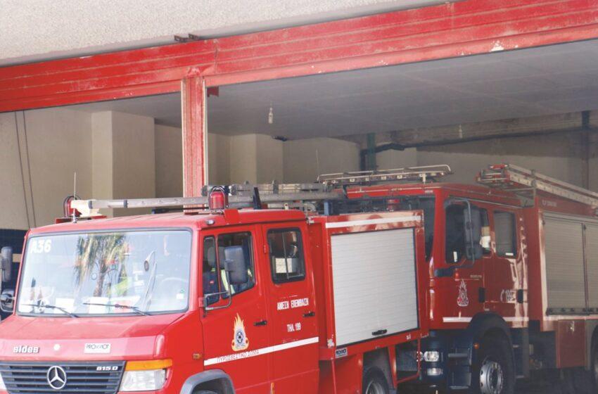 Μεγάλη φωτιά στη Μάνδρα