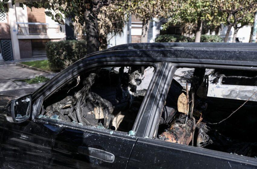 Σειρά εμπρηστικών επιθέσεων σε αυτοκίνητα και ΑΤΜ
