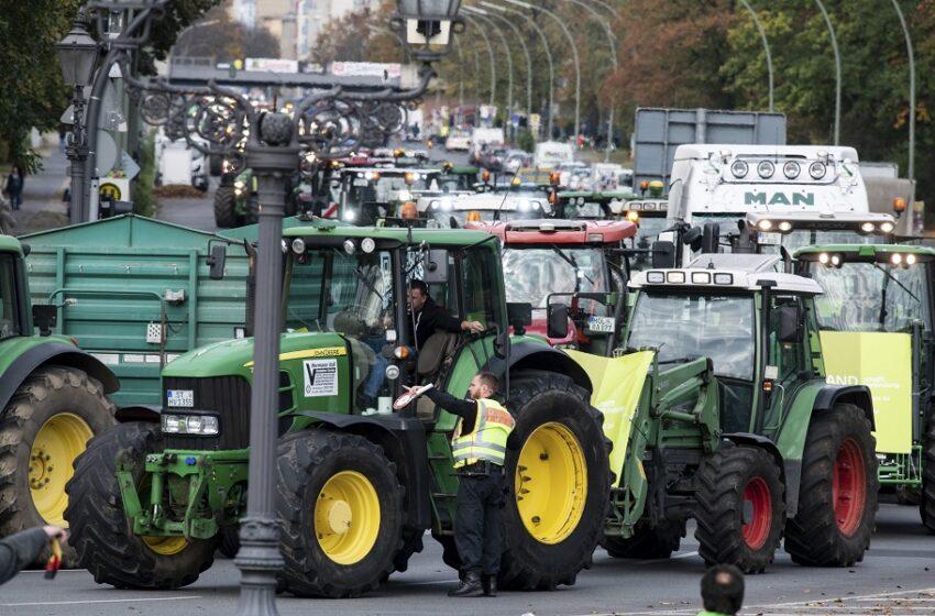 Στους δρόμους οι Γερμανοί αγρότες