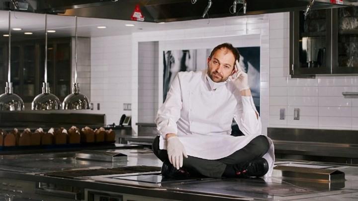 Νέα Υόρκη: Πασίγνωστος σεφ  μετέτρεψε το εστιατόριό του σε κουζίνα απόρων