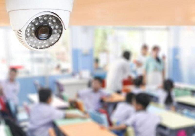 """""""Στον αέρα"""" η τηλε-εκπαίδευση με κάμερες- """"Φρένο"""" από την Αρχή Προστασίας Δεδομένων- """"Στροφή"""" Κεραμέως, αρνείται η Δ.Ο.Ε"""