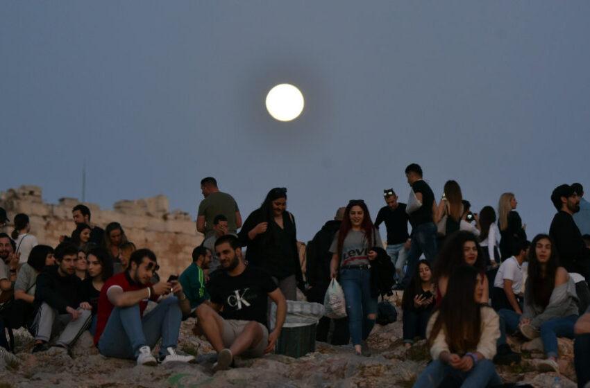 Απόψε το πιο λαμπρό φεγγάρι – Πού μπορείτε να το απολαύσετε