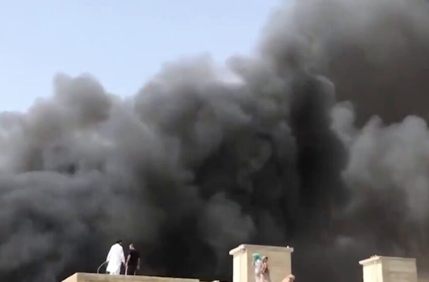 Αεροπορική τραγωδία στο Πακιστάν – Αεροσκάφος συνετρίβη πάνω σε σπίτια (vid)
