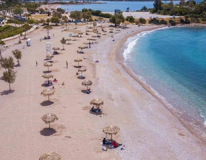 Πως θα είναι φέτος η παραλία της Γλυφάδας- Οι εικόνες που έδωσε ο δήμαρχος