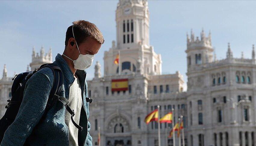 Ισπανία: Δωρεάν μάσκες μοιράζει η κυβέρνηση- Υποχρεωτική η χρήση στα ΜΜΜ