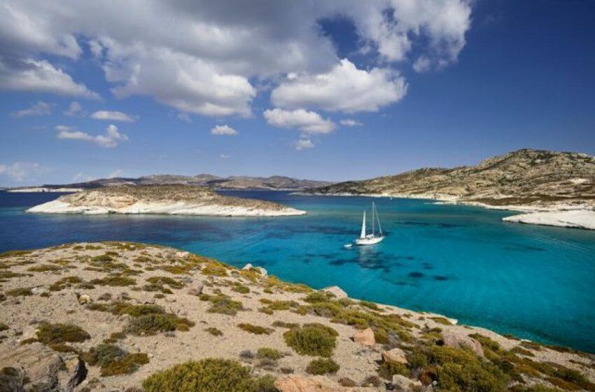 Handelsblatt: Προβληματική η φόρμα εντοπισμού τουριστών στην Ελλάδα – Αιχμές για Μητσοτάκη