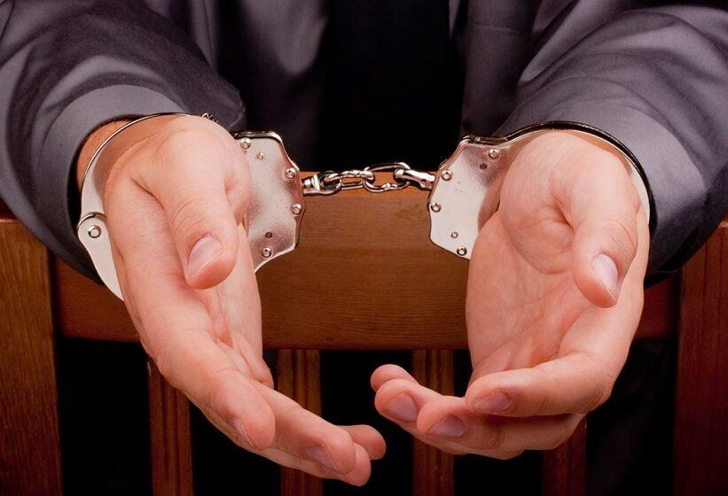 Σύλληψη φυγόποινου για σωματεμπορία, βιασμό και μαστροπεία