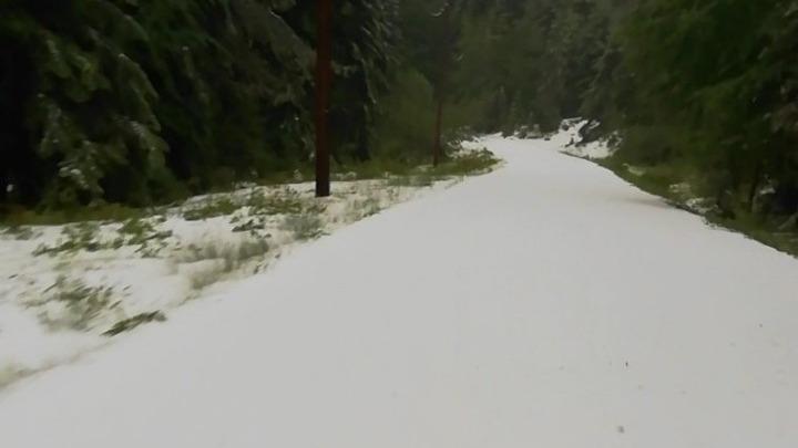 Ιωάννινα: Τέλος Μαϊου και… χιόνι στα ορεινά χωριά