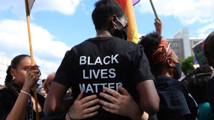 Ταραχές στο Αμβούργο, στο περιθώριο διαδήλωσης κατά του ρατσισμού