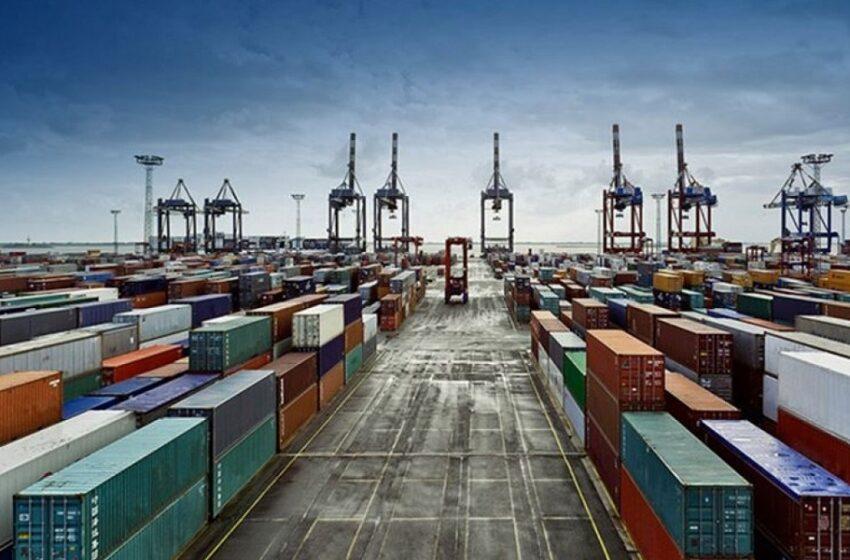 """""""Βυθίστηκαν"""" οι εξαγωγές και οι εισαγωγές τον Απρίλιο"""