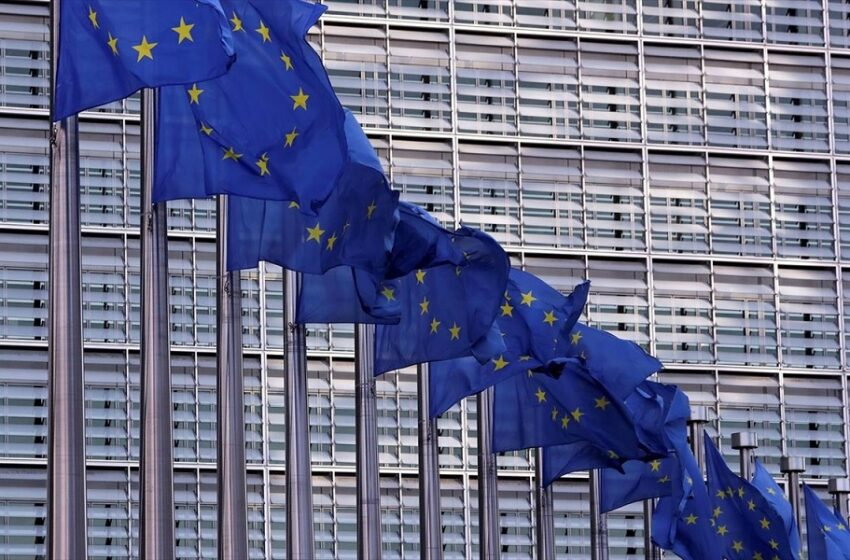 Reuters: Η ΕΕ δεν θα αγοράσει 300 εκατ. δόσεις εμβολίου AstraZeneca και Johnson&Johnson