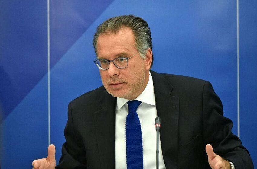 """Γ. Κουμουτσάκος: """"Το ΝΑΤΟ βρίσκεται σε φάση παρακμής"""""""