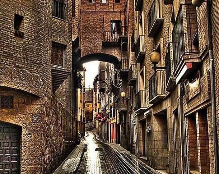 """Με σύνθημα για το """"social distancing"""" η καμπάνια του Ισπανικού τουρισμού"""