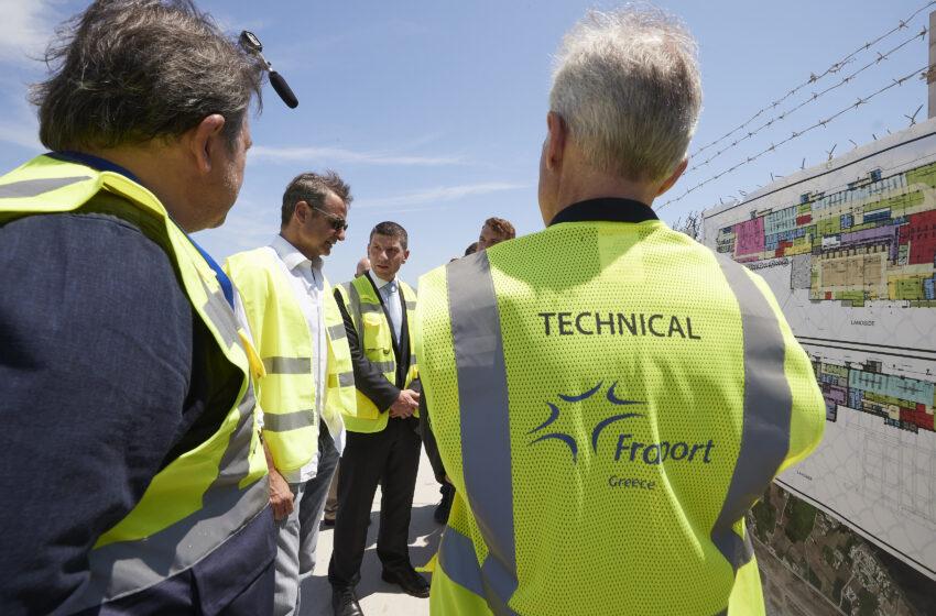 Επίσκεψη  Κ. Μητσοτάκη στα έργα αναβάθμισης του αεροδρομίου της Σαντορίνη και στο οινοποιείο Santo