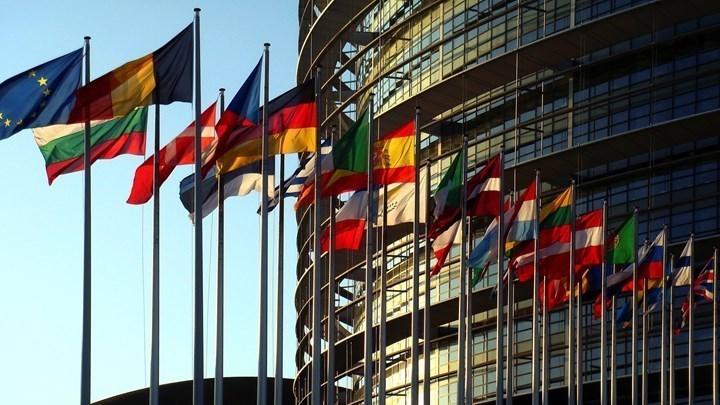 """""""Στα δύο"""" η ευρωομάδα της Ν.Δ για τα δικαιώματα της ελληνικής μειονότητας στην Αλβανία"""