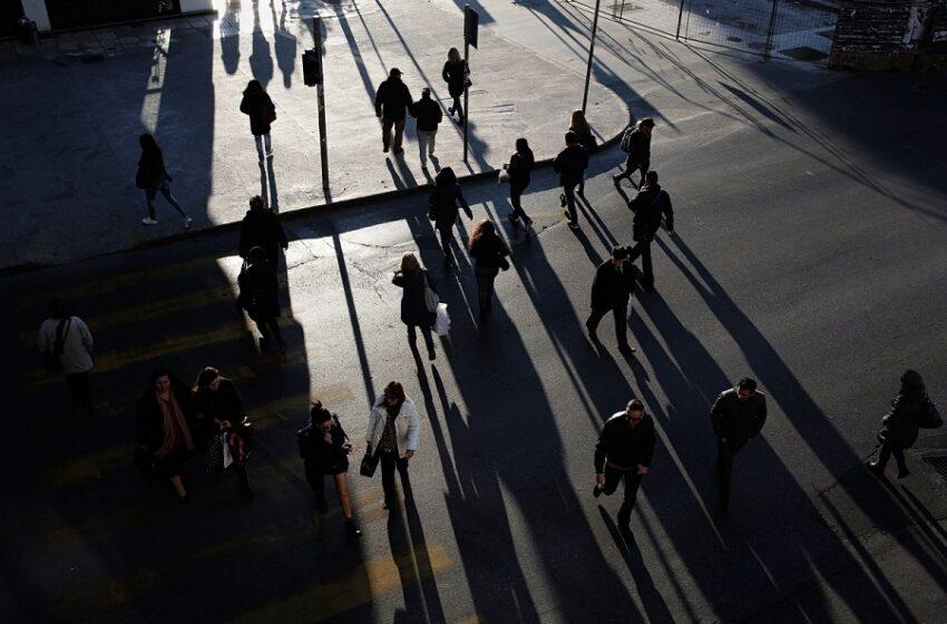 """""""Βουτιά"""" 2,3% στο ΑΕΠ για το α' τρίμηνο εφέτος – Μειώθηκε η καταναλωτική δαπάνη"""