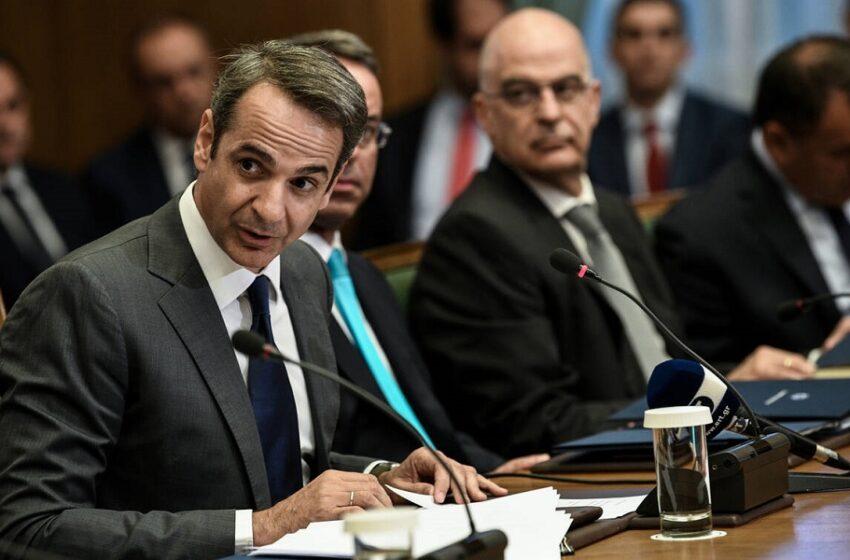 """Όλοι περιμένουν τον ανασχηματισμό – Τα μπρος – πίσω του Κυρ. Μητσοτάκη """"παραλύουν"""" το κυβερνητικό έργο"""