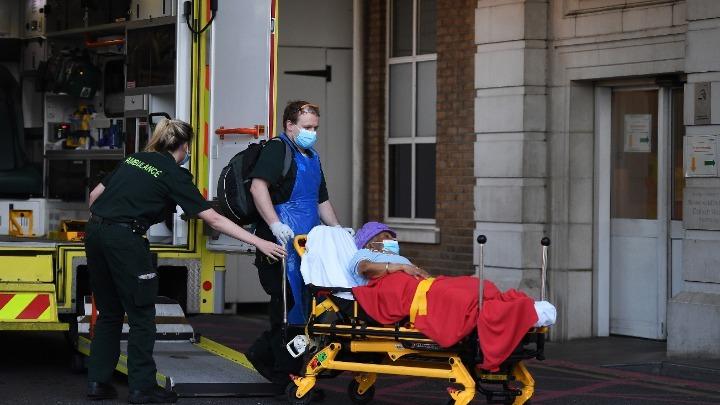 Βρετανία: 62.322 κρούσματα, 1.041 θάνατοι το τελευταίο 24ωρο