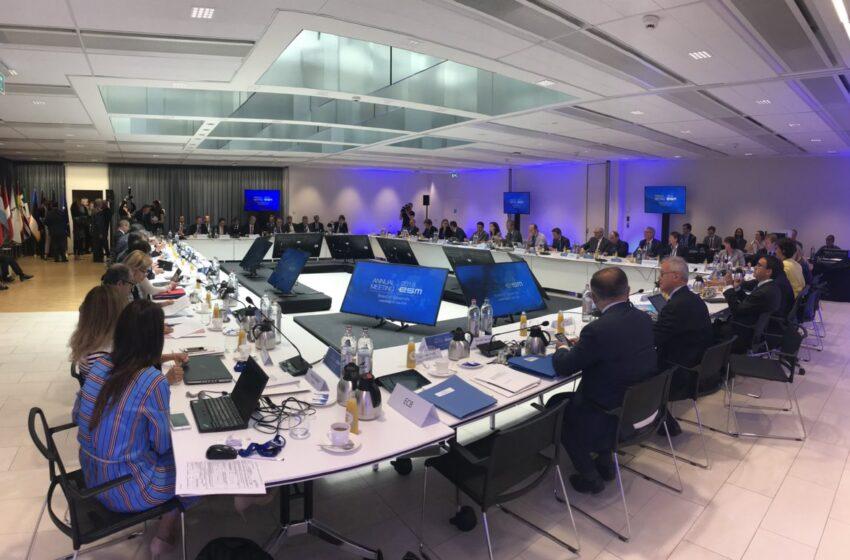 "ESM: Σημαντικός αντίκτυπος της πανδημίας στην ελληνική οικονομία – ""Αυτοκριτική"" Σεντένο για τα μνημόνια"