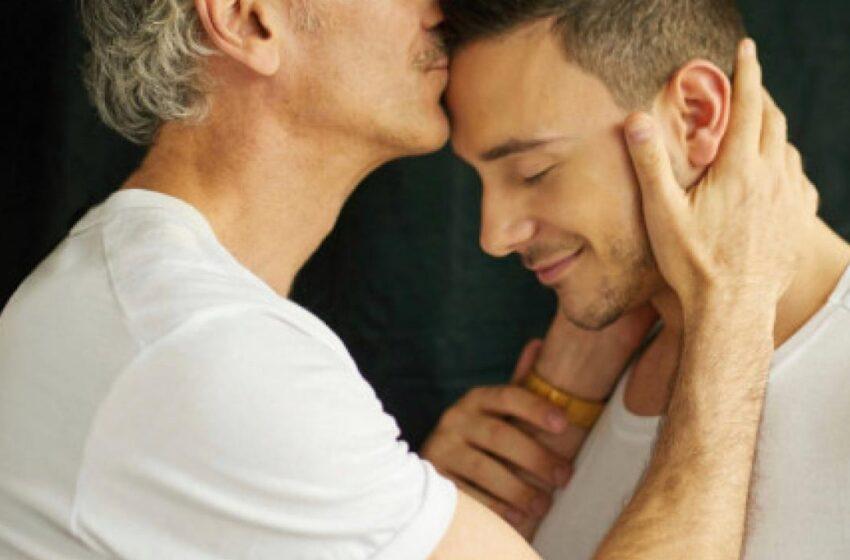 Απάντηση του πατέρα τού Στέφανου Δημουλά στην ομοφοβική ανάρτηση Τσιάρτα