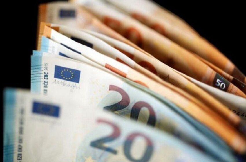 Καταβάλλεται την Τετάρτη το επίδομα των 534 ευρώ – Ποιους αφορά