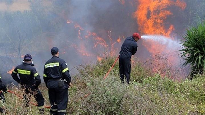 Υπό μερικό έλεγχο η φωτιά στη Ζάκυνθο
