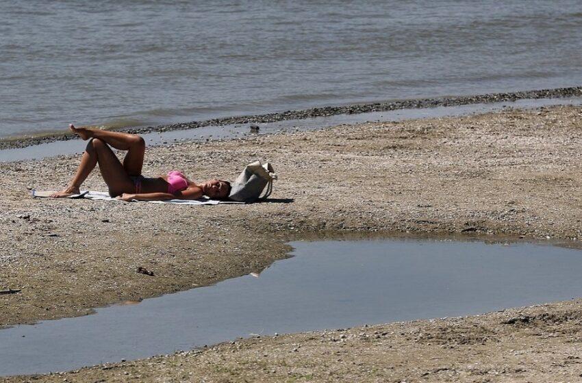 """Μίνι καύσωνας ενόψει – Εξασθενούν τα """"μελτέμια"""" έρχονται 38αρια"""
