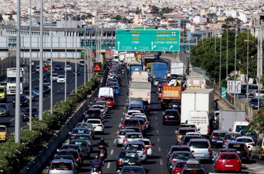 Κηφισός: Ακινητοποιημένα τα οχήματα μετά από δύο τροχαία